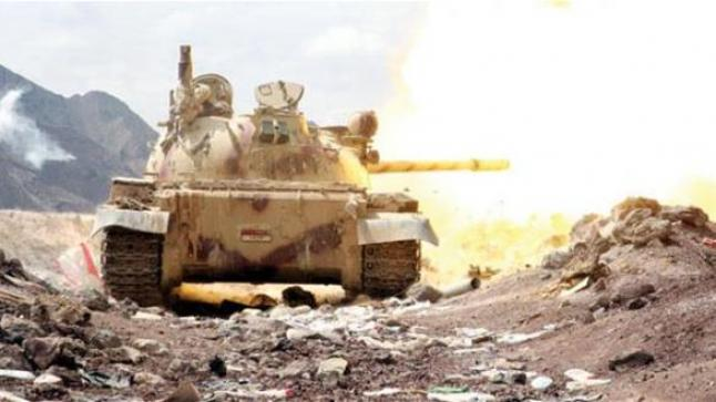 المقاومة الشعبية في مأرب تعثر على دبابات وأليات حربية مدفونة تحت الأرض