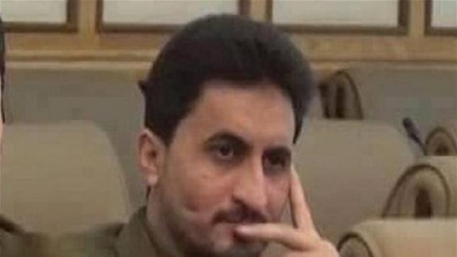 وزير الدفاع الحوثي يصاب بإصابة خطيرة في دمت