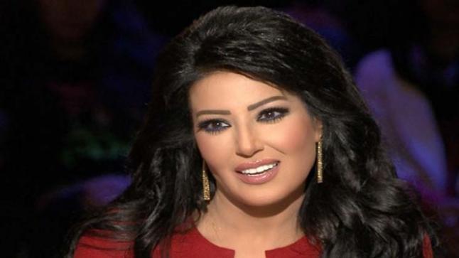 المصرية سيمة الخشاب تعلن زواجها من طيار
