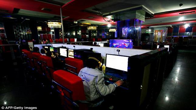 فتاة صينية تعيش في مقاهي الإنترنت 10 سنوات لهروبها من المنزل
