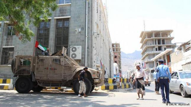 حكومة عدن تبدأ حملة أمنية لحفظ الأمن في المدينة
