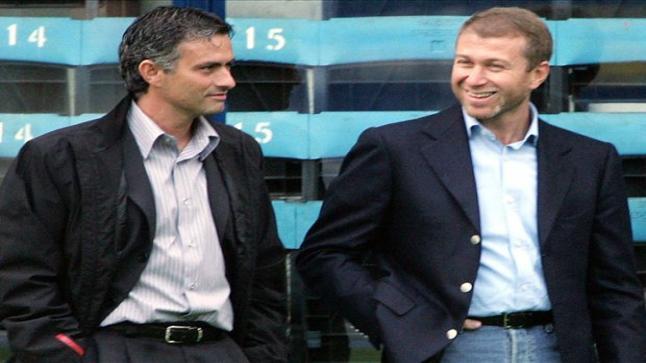 إدارة تشيلسي ترفض إقالة المدرب مورينيو