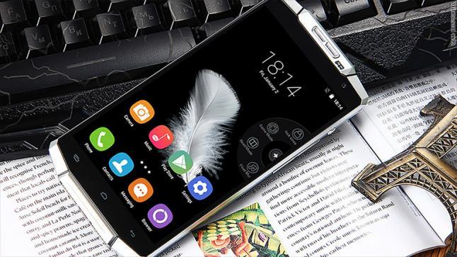 Oukitel K10000 هاتف ذكي يمكن أن تبقى بطاريته لمدة 15 يوماً