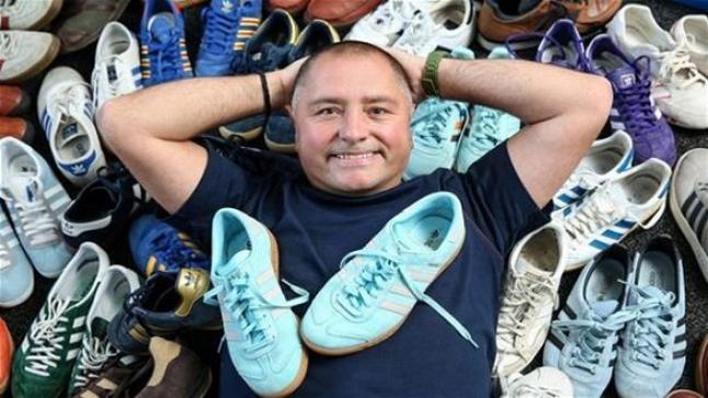 زوجة ترغم زوجها على الطلاق إذ لم يكف عن جنونه بأحذية أديداس الرياضية