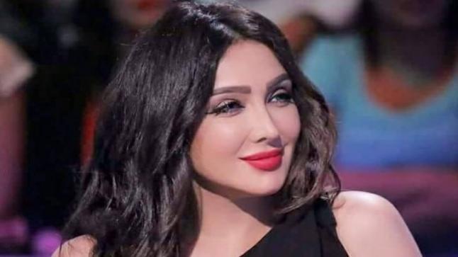 سامية الطرابلسي تواصل بروفات مسرحية 3 أيام في الساحل