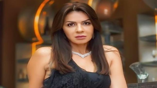نجلاء بدر زوجة النجم دياب في ابو جبل