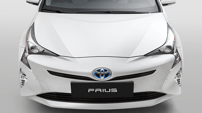 سعر سيارة تويوتا بريوس 2016 Prius من عبداللطيف جميل