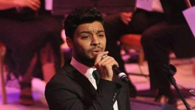 أحمد جمال يتوج بجائزة أفضل مطرب شاب للعام 2015