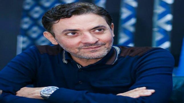 فتحي عبدالوهاب ينضم لفريق عمل لمس أكتاف