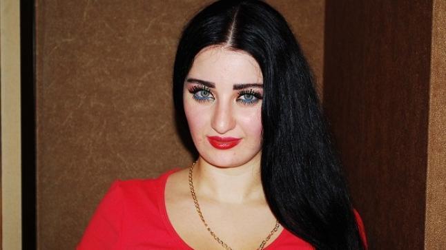 محكمة مصرية تقضي ببراءة الراقصة صافيناز من تهمة إهانة علم مصر
