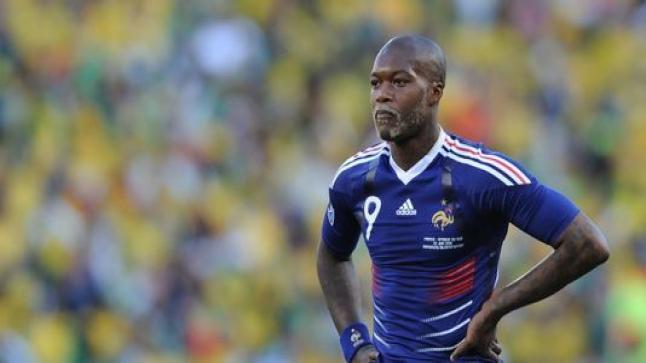 الفرنسي جبريل سيسيه يعلن إعتزاله كرة القدم