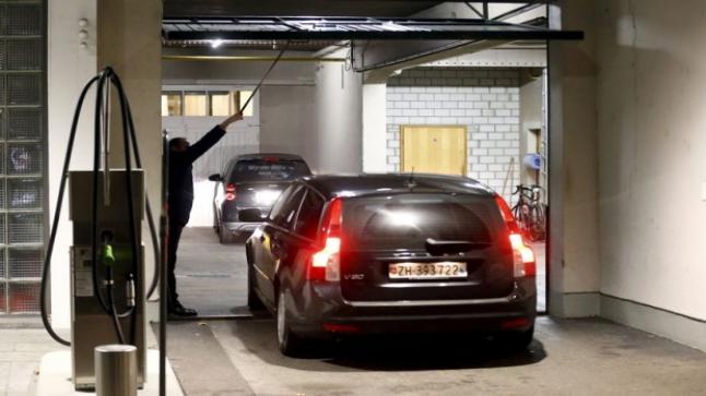 رجال شرطة زيوريخ تجري المزيد من الاعتقالات في فضيحة فساد الفيفا