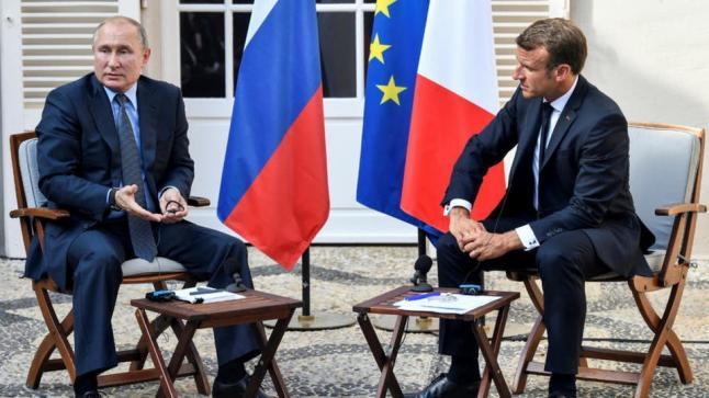 الرئيس الفرنسي يطالب نظيره الروسي بوقف إطلاق النار في محافظة إدلب السورية