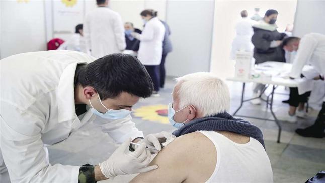 البرلمان المصري يُطالب المواطنين بسرعة التسجيل للتطعيم ضد كورونا