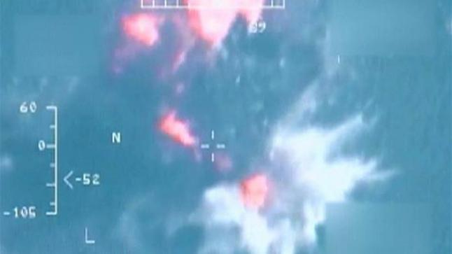 تدمير قوارب محملة بالإسلحة كانت تهرب لمليشيات الحوثي والمخلوع صالح