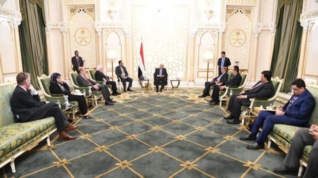 مباحثات أممية أمريكية مع رئيس اليمن حول المبادرة السعودية