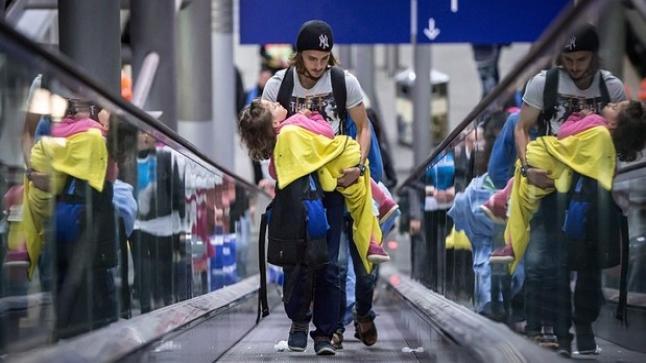 فرنسا تؤكد إلتزامها بإستقبال اللاجئين بعد أحداث باريس