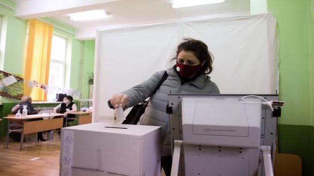 رغم إجراءات التباعد الاجتماعي.. انطلاق الانتخابات البرلمانية في بلغاريا