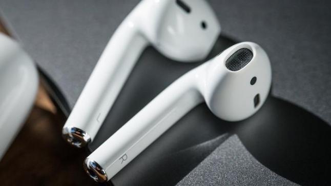 سماعات airpods الجديدة تظبط الصوت حسب راحة الأذن