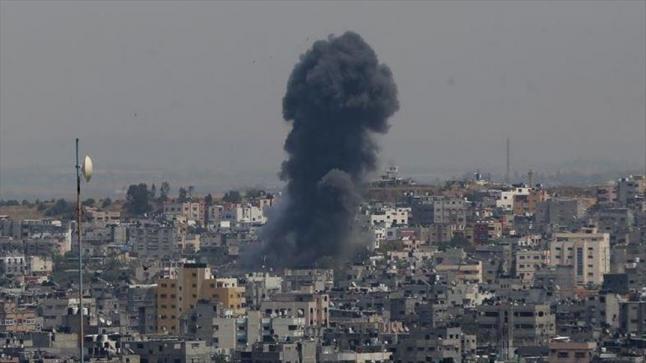 الاحتلال الإسرائيلي يقصف موقعين تابعين لحركة المقاومة الإسلامية حماس فس قطاع غزة