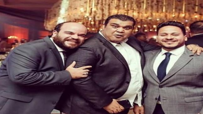 أحمد فتحي مع نجوم مسرح مصر في عمرو دياب