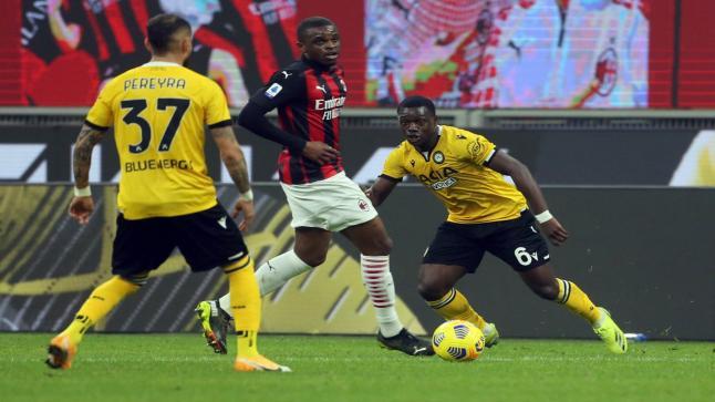 الدوري الإيطالي.. الميلان يتعادل مع أودينيزي في الثواني الأخيرة