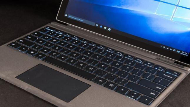 مايكروسوفت لاتزال تقوم بتحديث Surface Pro 4