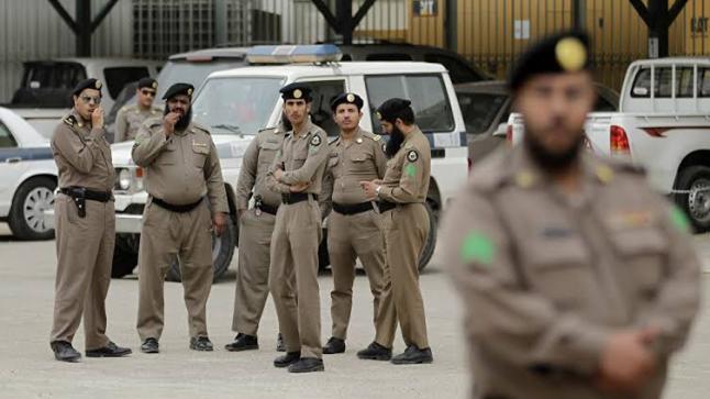 السعودية تعتقل عصابة إثيوبية بتهمة سرقة عملاء البنوك
