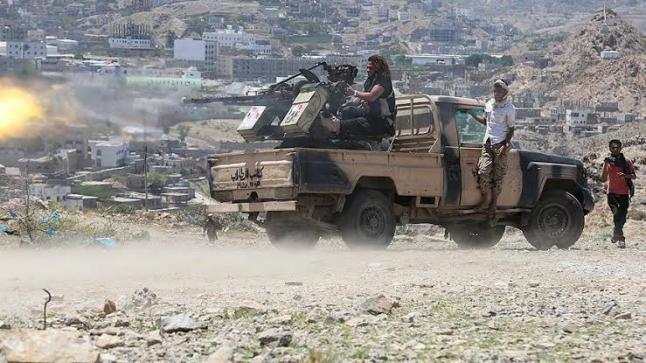 الوزراء اليمني يوافق على قرار العقوبات الأمريكية علي قياديين حوثيين